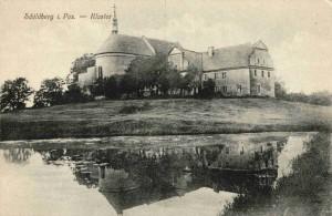 Klasztor pobernardyński od strony pn.-wsch. z małym stawem rybnym, widokówka z ok. 1913r.