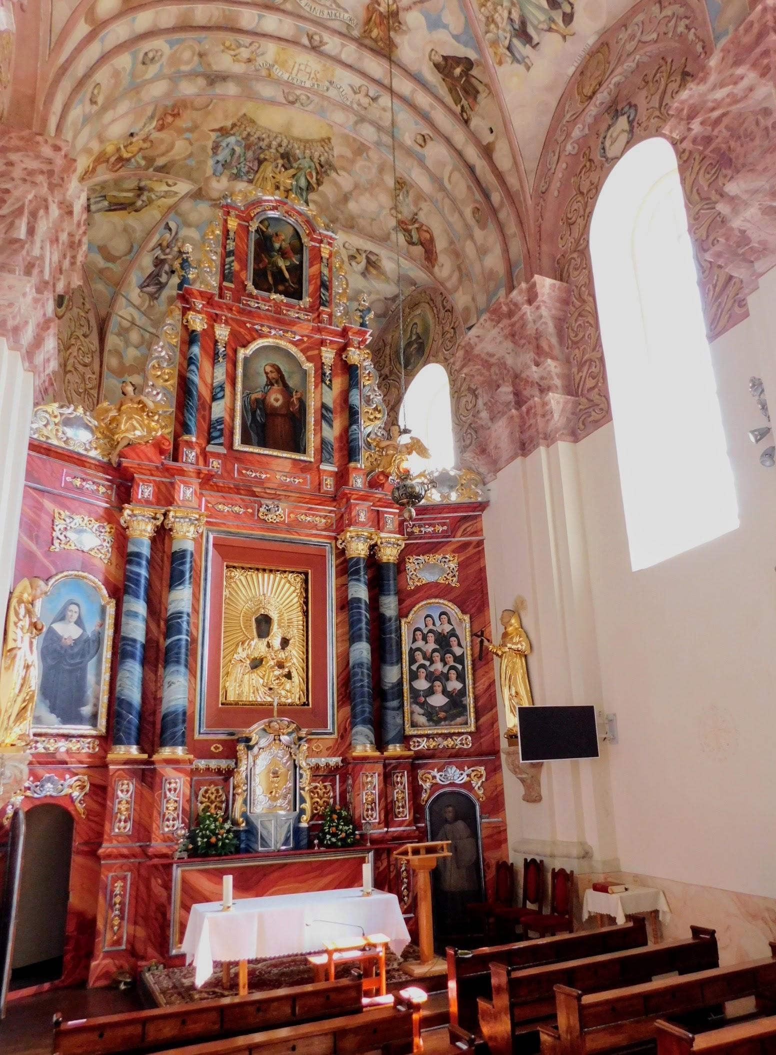 ołtarz główny po konserwacji