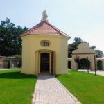 kaplica św. Judy Tadeusza i dziedziniec po remoncie