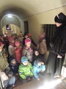 2018.03.12.- Kubusie w kryptach kościoła klasztornego (3)